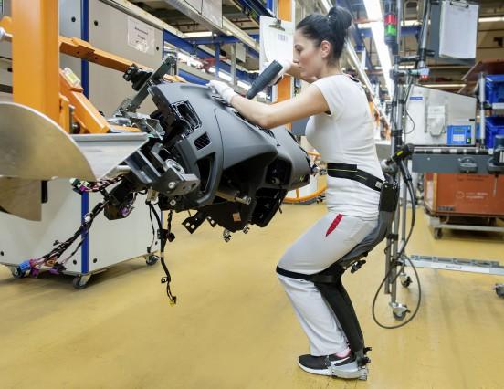Audi setzt den ChairlessChair von Noonee ein