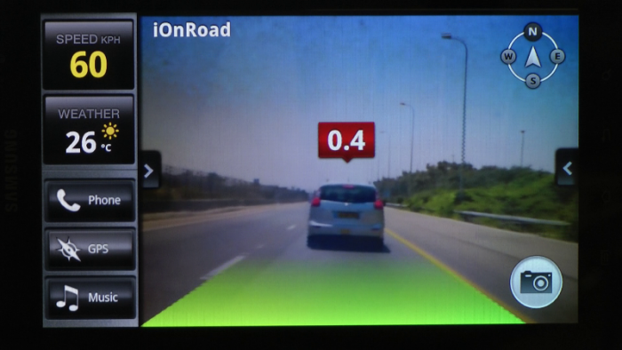 iOnRoad-8-AR-Time-to-Collision-0.4-Seconds